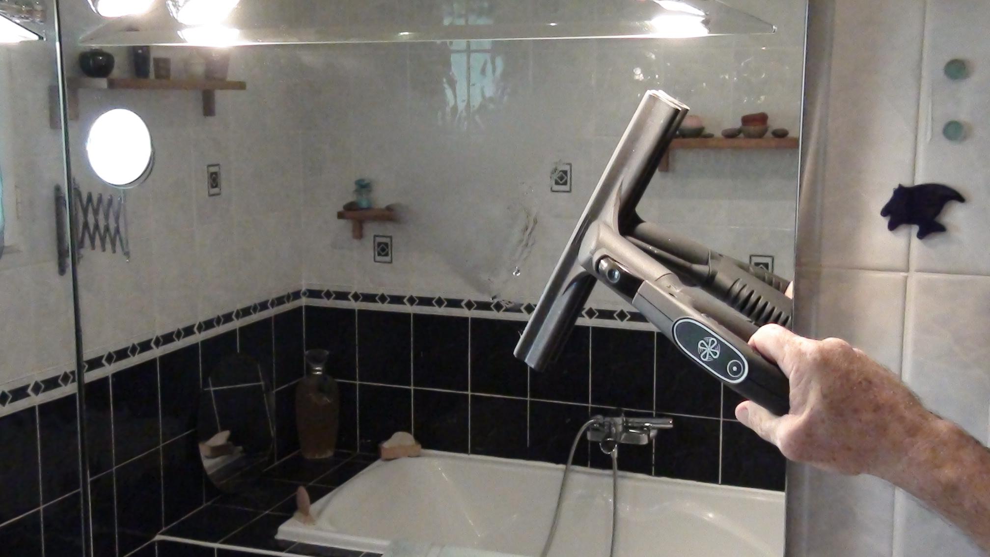 comment nettoyer les sanitaires avec le nettoyeur aspirateur vapeur aspirateur nettoyeur. Black Bedroom Furniture Sets. Home Design Ideas