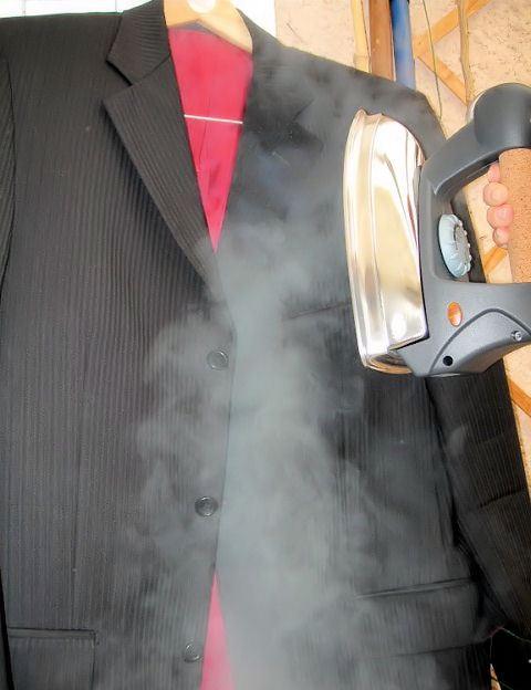 Comment effectuer un défroissage vertical avec le fer pressing de votre aspirateur nettoyeur vapeur