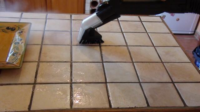 Nettoyage des plans de travail de votre cuisine